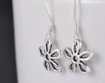 flower earrings, silver earrings, crystal earrings, sterling silver earrings, floral earrings, swarovski earring, pedal flower