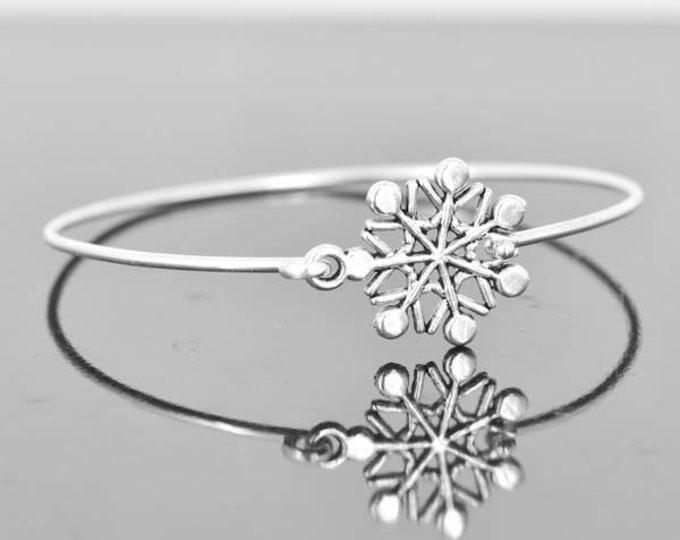 Snow Flake Bangle, Sterling Silver Bangle, Snow Flake Bracelet, Stackable Bangle, Christmas Bangle, Christmas jewelry, Christmas Bracelet