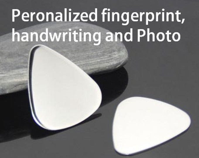 Fingerprint Guitar Pick, Engraved Guitar Pick, Engraved Jewelry, Personalized Guitar Pick, Gift for him, fathers day gift