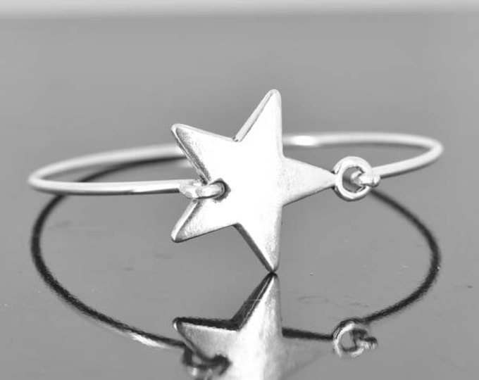 Star Bangle, Sterling Silver Bangle, Star Bracelet, Stackable Bangle, Charm Bangle, Bridesmaid Bangle, Bridesmaid jewelry, Bridal Bracelet