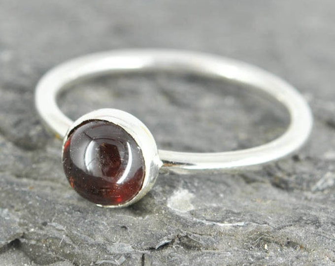 Garnet ring, 6mm, gemstone ring, stacking ring, january birthstone ring, personalized ring, bridesmaid ring, bridesmaid gift