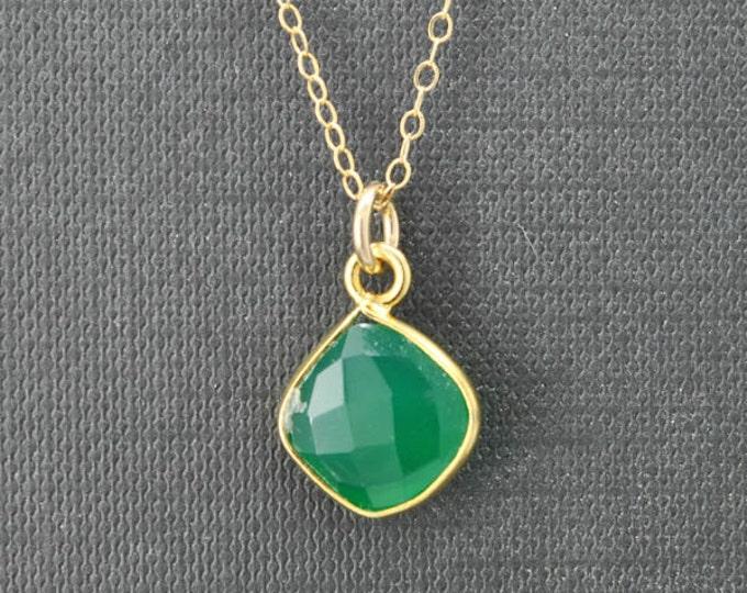 Chrysoprase Necklace, 14k Gold Filled Chain, Bezel set Necklace, Gemstone Necklace, Chrysoprase pendant