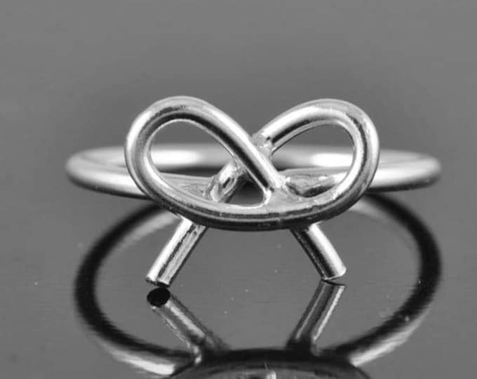infinity ring, bow ring, bow knot ring, Bridesmaid gift, wedding gift, maid of honor gift, best friend, sisters, birthday gift, anniversary