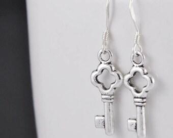 key earrings, silver earrings, skeleton key earrings, sterling silver earrings, antique key earrings, vintage key earring, victorian earring