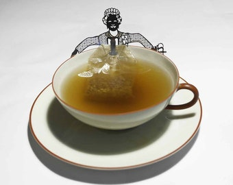 Queen tea bag holder gift, 3D stainless steel figure to drink tea with