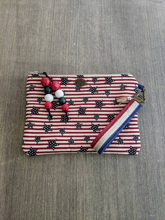 Patriotic wristlet bag / clutch / Starts and Stripes cluch