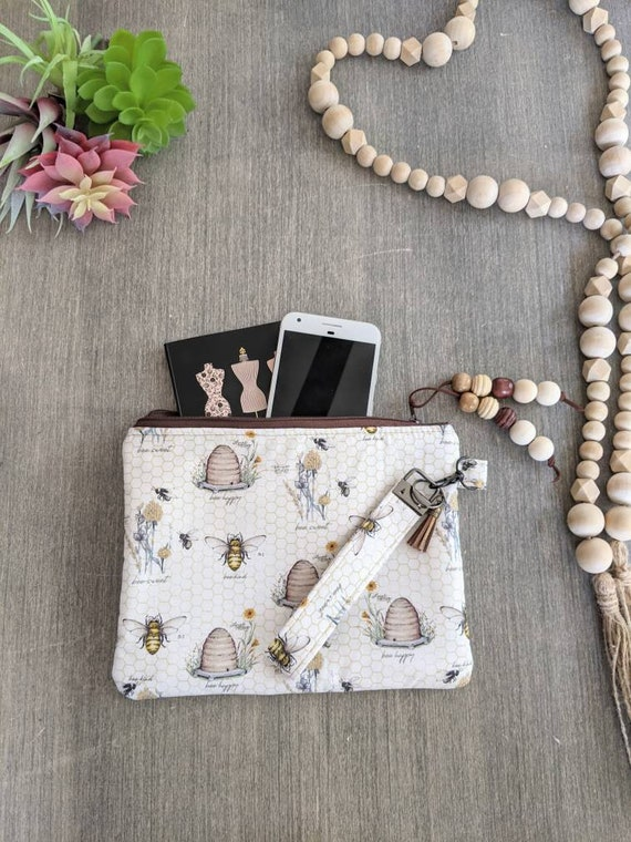 Beehive Wristlet Bag / Bee Clutch
