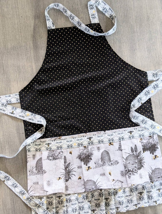 Black and White Bee Hive Retro Apron