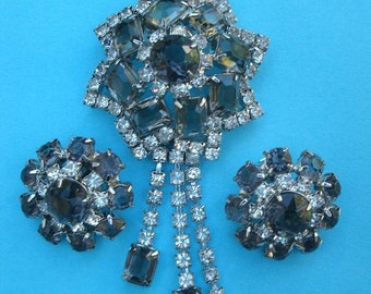 Vintage 1950s Rhinestone Demi Parure - Sparkling Star Brooch with Matching Earrings - Smoky Brown/Green Costume Jewelry Set