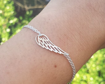 Silver or gold Angel Wing bracelet,delicate memorial wing bracelet,Memory wing bracelet,Bridesmaid gifts,wedding jewelry,child loss jewelry