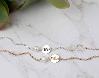 Bridesmaid Gifts,Initial pearl Bracelet,Pearl bracelet,gift for mom,mother bracelet,personalized monogram bracelet,silver,gold