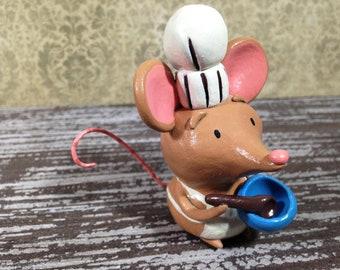 Baker Mouse Figurine - OOAK