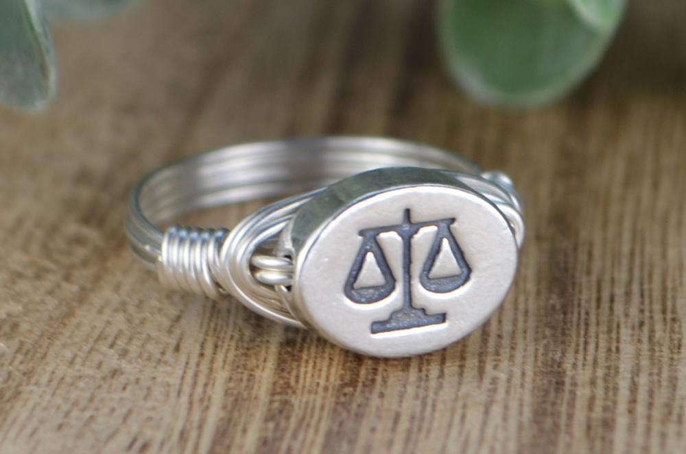 Waage-Ring-Wahl der Waage Wort oder Waage Sternzeichen Symbol   Etsy