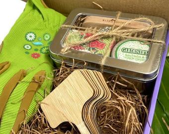 Gardening Gift Basket / Garden Gift for Mom / Gift for Women