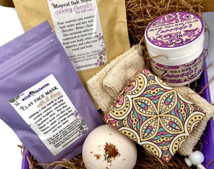 Personalized Deluxe Spa Gift Set, Self Care Bath Gift for Women, Bath Bomb Salts Soap, Calming Lavender Kit for Her