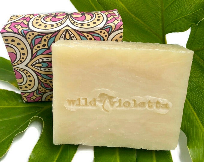 Handcrafted Natural Soap Bar / Gardenia Soap, Natural Floral Shea Butter Soap Bar / Gift for Women