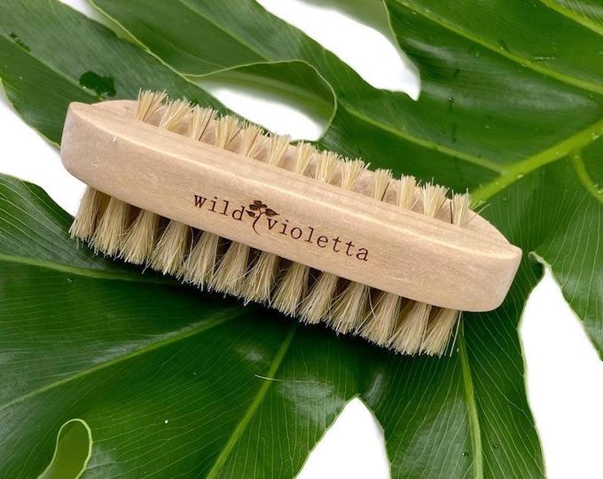 Nail Brush, Sustainable Natural Two Sided Fingernail Cleaning Brush, Gardening Hand Brush