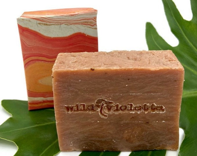Handcrafted Natural Soap Bar / Rich and Sultry Floral Spice Soap Bar