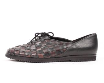 woven leather flats // lace up // sz 8