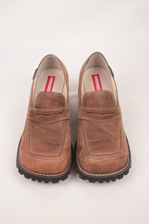 square toe heeled loafers // lug sole // size 9.5