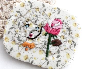 Brooch - Embroidery Brooch - Brooch Pin - Vegan Brooch - Brooch - Girl Brooch - Embroidery Girl - Vegan - Handmade Embroidery - Girl Brooch