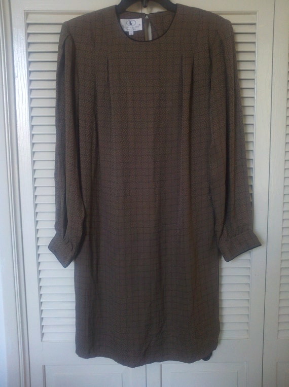 SALE!!! Beautiful Flora Kung 100% silk dress from