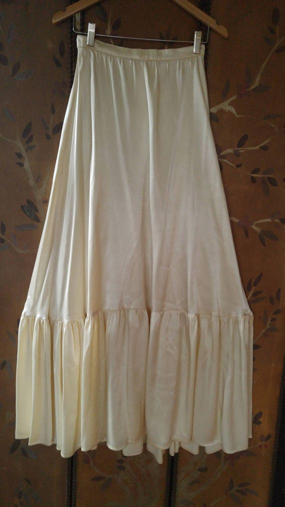 70s Gunnies by Jessica satin cream maxi full skirt - image 1