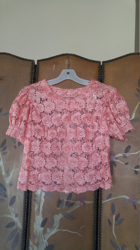 60s coral lace flowered sheer crop blouse with puf