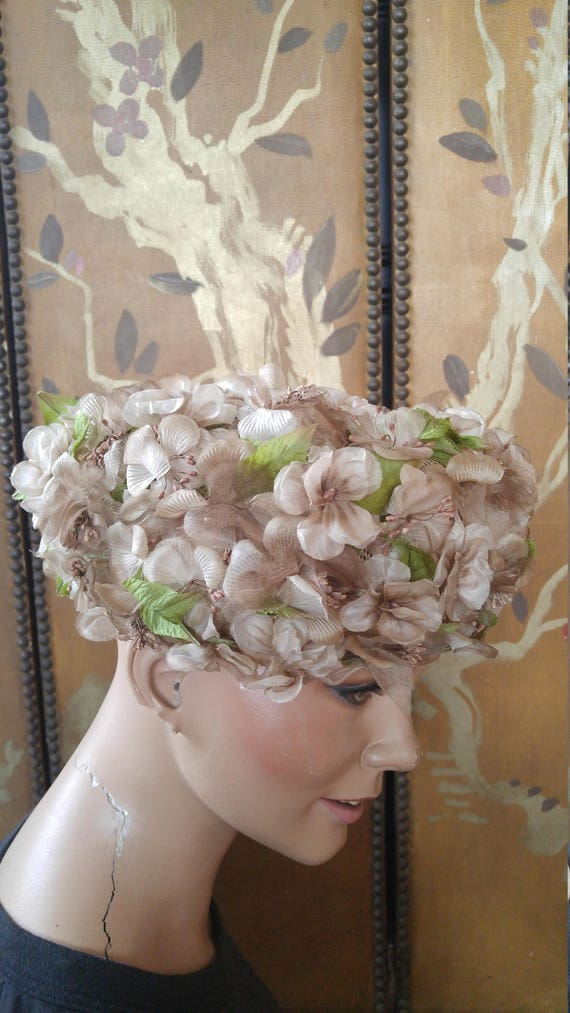50s dusky pink flowered hat by Evelyn Varon - image 8