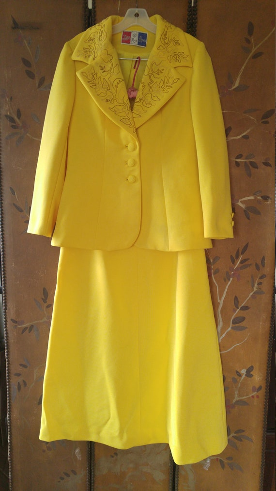 SALE! 60s lilli Ann knits suit in daffodil yellow