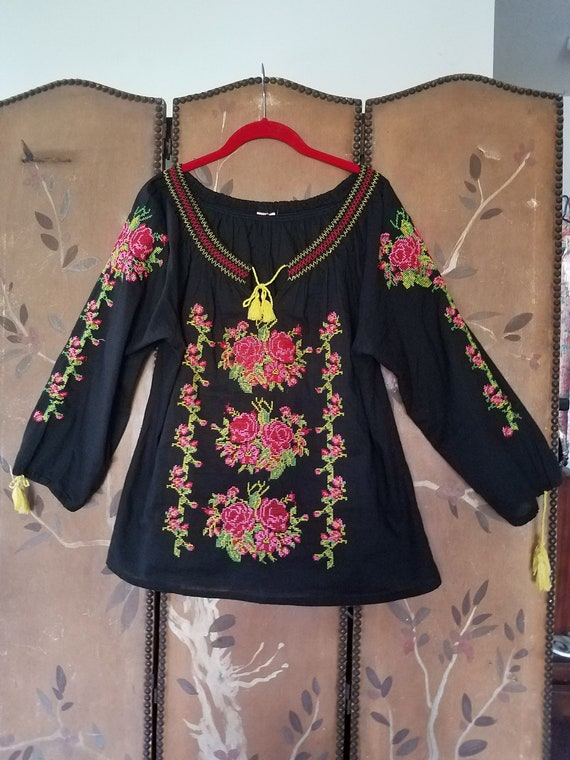 80s Peasant / Mexican tapestry rose embroidered sm