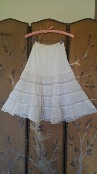 60's ivory nylon and lace layered frilly petticoat  underskirt