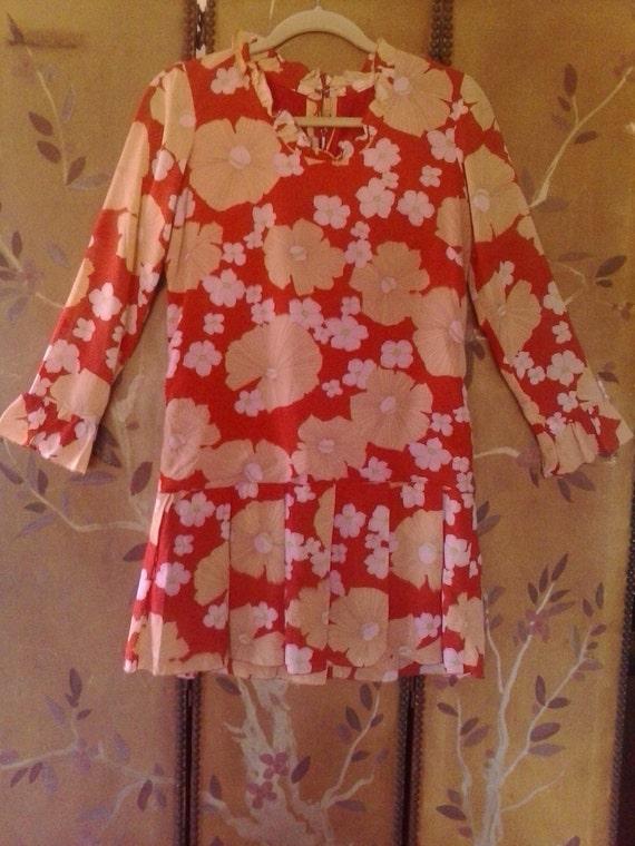 SALE!! 60s flower power drop waist mini dress