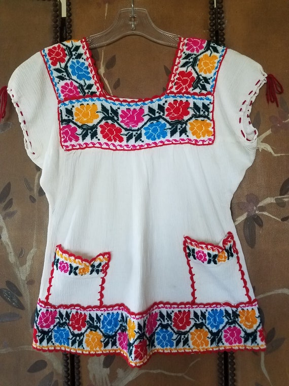 70's Mexican embroidered cheesecloth peasant / hip