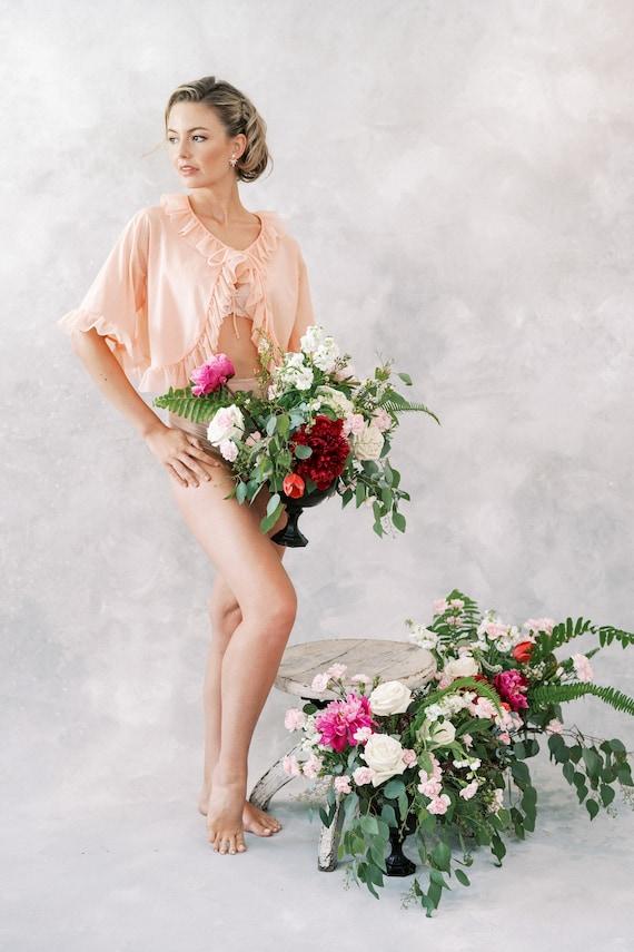 Vintage 60s 70s Peach Ruffle Peignoir Bridal Boud… - image 2