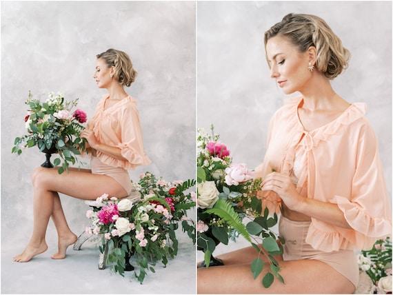Vintage 60s 70s Peach Ruffle Peignoir Bridal Boud… - image 1