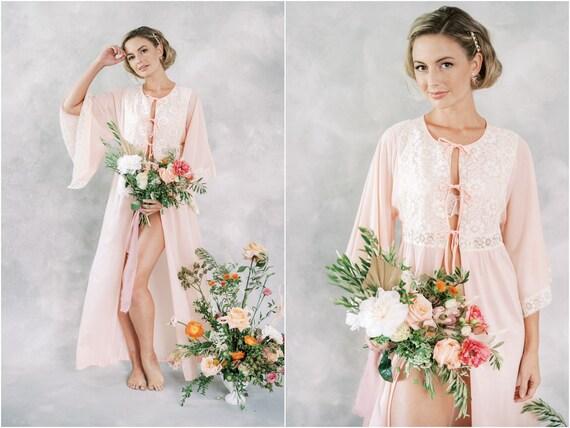 Vintage 70s Pink Angel Sleeve Lace Peignoir Robe D