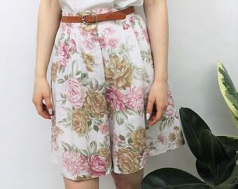 1980s White Floral Culotte Shorts Size UK 12, US 8, EU 40