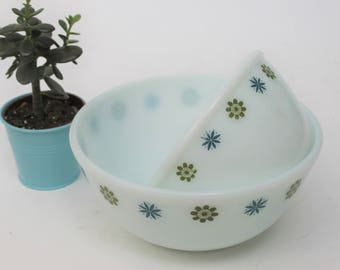 Set of Two Phoenix Ware Mixing Bowls