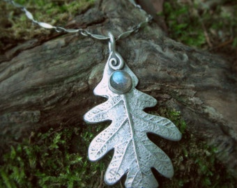 Oak Leaf Necklace With Labradorite, Made With a Real Leaf, Woodland, Elven Necklace, Silvan, Artisan Handcrafted Recycled Fine Silver