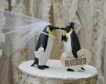 Penguin-wedding-cake topper-penguin lover-snow-winter-zoo-animal-woodland-bird-polar bear-bride-groom-Mr and Mrs-kissing-love birds