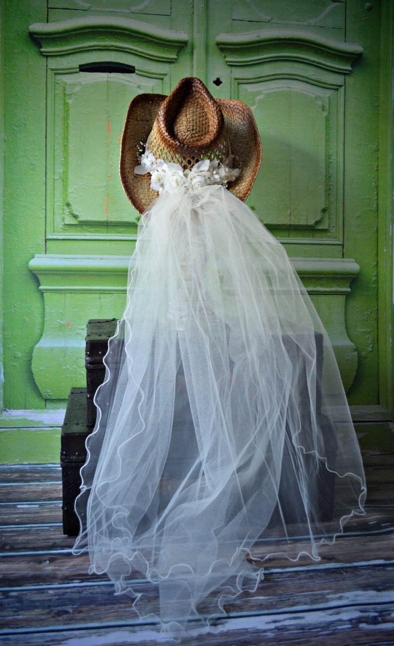bf0d06cc54f Western-wedding-veil-ivory-white-hat-cowgirl-cowboy-boots-brid