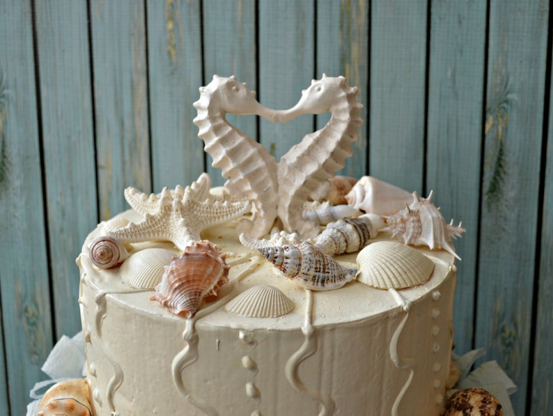 b48f4d4de1299d Seahorse-wedding-cake topper-distressed-kissing-seahorse cake
