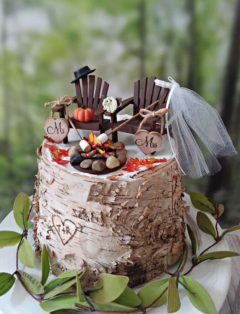 Fall Wedding Cakes.Fall Wedding Cake Topper Mini Pumpkin Topper Bride Groom Country Wedding Rustic Barn Pumpkin Fall Themed Mr And Mrs Autumn Bride 6 Cake