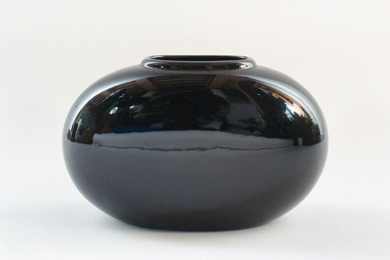 d3afe6c486a Black Haeger Vase