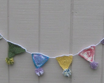 Triangle Bunting with Pom Poms in Pastel Colors