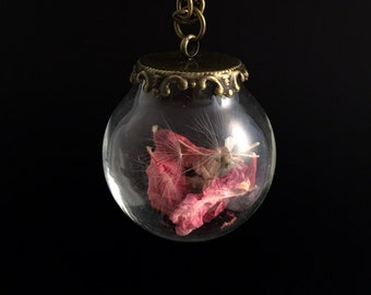 Pink necklace, Dried flower petal and autumn seed head Pendent, Antique chain nature filled glass necklace, Botanical Jewellery Terrarium