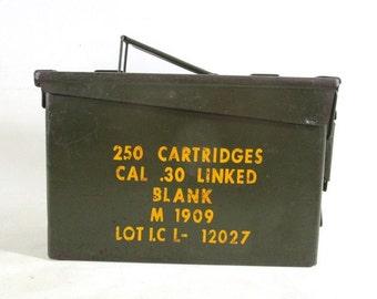 Metal Ammo Cartridge Box, Vintage Militaria Army Military Retro Storage Garage Trench Decor