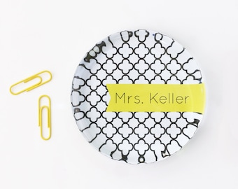 Personalized Paperweight Girls Desk Accessories Custom Office Supplies Black White Yellow Glass Paper Weight Teacher Gifts Graduation Gifts