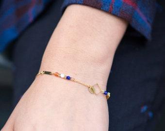 dainty rhombus bracelet, gold and blue chain bracelet, beaded chain bracelet, blue, white and rust, dainty jewelry, minimal bracelet